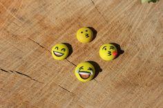 #emoji #earrings #fimo #polymerclay #jewelry #fimojewelry #stud