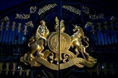 ♥ Michael Jackson ♥ - Neverland gates at night