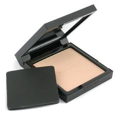 Contains ColorIntact pigments to absorb sebum & perspiration,Ensures color holding for long hours,And allows skin to breathe freely,Infused with a powerful astringent agent,Minimizes pores for smoothing skin texture,Gives a perfectly matt, radiant complexion,   # 16 Mat Amber  # 17 Mat Rosy Be...