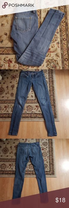 Skinny jeans Gently used. In great condition. One of my favorite pairs. These are a great pair of skinny jeans! A little faded medium color denim. LOVEsick Jeans Skinny