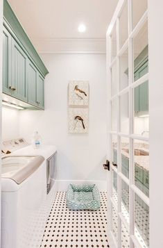 Who says that having a small laundry room is a bad thing? These smart small laundry room design ideas will prove them wrong. Small Laundry Rooms, Laundry Room Organization, Laundry Room Design, Laundry Closet, Laundry Decor, Laundry Drying, Interior Design Living Room, Living Room Designs, Interior Livingroom