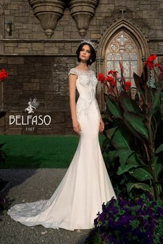 """Unique Mermaid Wedding Dress / Bridal Gown Daniya from the Collection """"Francesca"""" by Belfaso Couture Elegant Wedding Dress, White Wedding Dresses, Bridal Dresses, Wedding Gowns, Fairytale Bridal, Low Cut Dresses, Divas, Gowns For Girls, Glamour"""