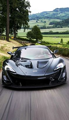 The Ferrari 458 is a supercar with a price tag of around quarter of a million dollars. Photos, specifications and videos of the Ferrari 458 Mclaren P1, Carros Mclaren, Mclaren Autos, Mclaren Cars, Bmw Autos, Luxury Sports Cars, Exotic Sports Cars, Best Luxury Cars, Sexy Cars
