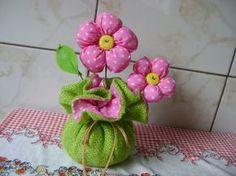 Como fazer flores de fuxico