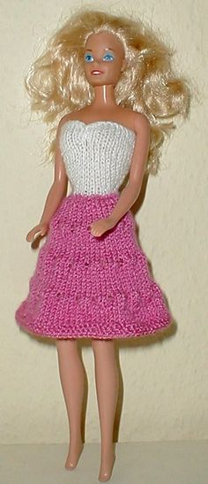 If I had a daughter who played w/ barbies, I wouldn't mind doing this. knitting dress pattern