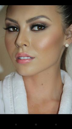 wedding make up, beauté, maquillage, weddin, mariage, bride, skin, lipstick, foundation, eyeshadow, beauty