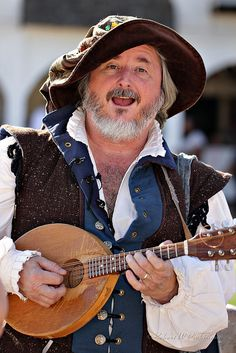 Zilch the Torystellar at the 2012 Festival- One of my VERY favorite performers at RenFest!