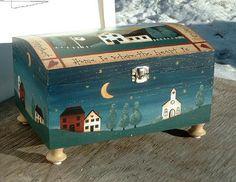 Prim painted trunk~~ GORGEOUS!!