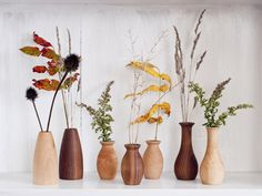 """A dry-flower wood vase to add a pretty touch of nature to your decor. 27 Really Pretty Things You'll Probably See And Think """"I Have To Have That"""" Vase Centerpieces, Vases Decor, Bud Vases, Flower Vases, Flower Arrangements, Wooden Art, Wooden Decor, Fleurs Diy, Decoration Plante"""