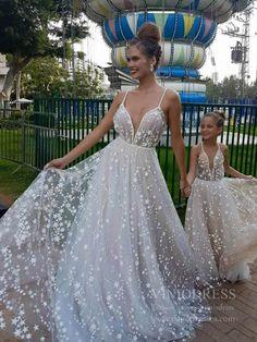 White v neck tulle long prom dress, white evening dress - Welt der Hochzeit Wedding Dress Styles, Dream Wedding Dresses, Wedding Gowns, Lace Wedding, Unique Prom Dresses, Weeding Dress, Star Wedding, Civil Wedding, Gothic Wedding