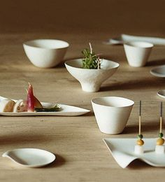 wasara single-use dinnerware. shinichiro ogata. 2008.