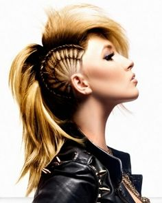 Girl Mohawk Hairstyles Trends and Ideas - Mohawks for girls are more popular than ever, with many cool versions available for this iconic punk style. Check out the best mohawk styles for girls. im try this for halloween Mohawk Hairstyles, Unique Hairstyles, Pretty Hairstyles, Hairstyles Pictures, Teenage Hairstyles, Shaved Hairstyles, Wedding Hairstyles, Wedge Hairstyles, Updos Hairstyle