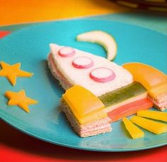 Reach for the stars with this spaceship sandwich! #MunchableMonday