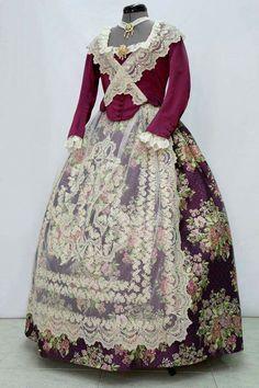 Edwardian Fashion, Vintage Fashion, 1700s Dresses, Beautiful Dresses, Nice Dresses, Pioneer Clothing, European Dress, 18th Century Fashion, Princess Outfits