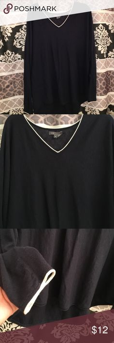 Sweater-blouse Great condition vince Sweaters V-Necks