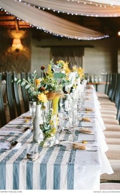 Simple and natural table decor is always a winner! Photographer: Lad and Lass Photography   Flowers: Love & Grace   Venue: Villa Paradiso  