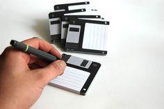 E per i più nostalgici.. block notes o floppy disk?