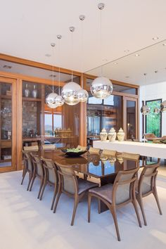 House in the interior of SP gets modern and cozy decoration Dining Room Design, Dining Room Furniture, Dining Area, Furniture Decor, Dining Chairs, 100 M2, Casual Living Rooms, Dinner Room, Decoration