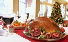 The Ultimate Weight Watchers Thanksgiving Guide: These mouthwatering recipes, simple tips, and stress-busting tactics will keep a smile on your face until the last of the china is put away. Thanksgiving Recipes, Holiday Recipes, Thanksgiving 2013, Slow Roasted Turkey, Roast Turkey Breast, Sliced Turkey, Creamy Mashed Potatoes, Food To Go, Sweet Potato Casserole