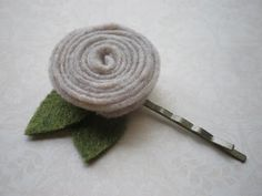 felt flower bobby pin tutorial