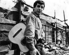 """""""US imperialism understands very well the magic of communication through music and persists in filling our young people with all sorts of commercial tripe. Victor Jara, I Want To Know, Chile, Film Music Books, First Photo, Creepy, Black And White, Pictures, Instrumental"""