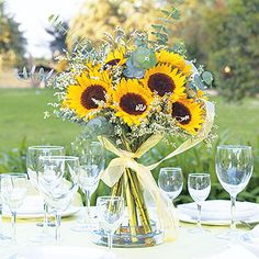 19 sunflower centerpiece | Flickr - Photo Sharing! Summer Wedding, Our Wedding, Rustic Wedding, Wedding Bells, Wedding Themes, Dream Wedding, Wedding Decorations, Yellow Wedding, August Wedding