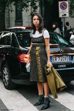 Fashion week spring summer collage vintage ideas for 2019 Milan Fashion Week Street Style, Street Style 2016, Street Chic, Street Style Women, Moda Fashion, Trendy Fashion, Fashion Looks, Fashion Outfits, Vintage Fashion