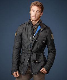 Staniland Jacket in Burnished Wax Cotton for GSR by Belstaff. Named after a racing teammate and friend of the Duke of Richmond, features an update to Belstaff's ergonomic design on lightly waxed cotton with an authentically aged finish. Camo Fashion, Mens Fashion, Belstaff Jackets, Gentleman's Wardrobe, Waxed Cotton Jacket, Plus Clothing, Biker Style, Motorcycle Jacket, Menswear