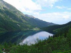 Morskie Oko - to moje najpiękniejsze miejsce w Polsce, bo polskie góry są najpiękniesze i zimą i latem (fot. Kristian Slimak / Wikimedia Commons)