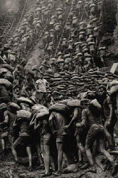 The gold mine of Serra Pelada Brazil Sebastiao Ribero Salgado 1986