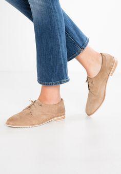 Labyrinthe Asos Daim Chaussures Plates - Taupe lCTIO1lLhc