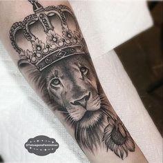 WEBSTA @ tatuagensfemininas -  Tattoo Artist: . Callyjoart.ℐnspiração 〰 ℐnspiration ..#tattoo #tattoos #tatuagem #tatuaje #ink #tattooed #tattooedgirls #tatuador #lion #liontattoo #leão #EunoTatuagensFemininas #TatuagensFemininas