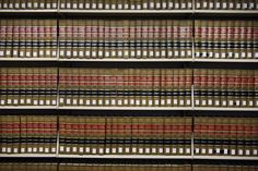 Shelves full of law books are seen in the library at UC Hastings College of the Law. Photo: Michael Short, Special To The Chronicle