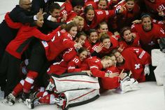 Switzerland's women take bronze in the women's ice hockey