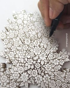 Drawing Doodles Sketches Cool Doodles By Cambodian Artist Visoth Kakvei - Cambodian graphic design artist Visoth Kakvei takes doodling to the next level.The freehands cool Zentangle Drawings, 3d Drawings, Amazing Drawings, Realistic Drawings, Doodle Drawings, Doodle Art, Amazing Art, Zentangles, 3d Art Drawing