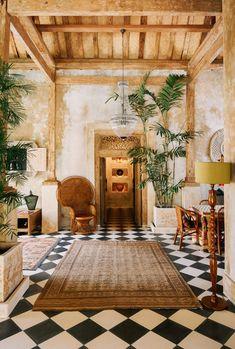 Balinese villa, global home decor idea Interior Tropical, Tropical Home Decor, Tropical Houses, Mexican Interior Design, Tropical House Design, Tropical Kitchen, Tropical Furniture, Tropical Bedrooms, Tropical Colors