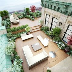 INNOVATIVE ROOFTOPS. THE MOST INSPIRING SKY-HIGH GARDENS AND GREEN OASES