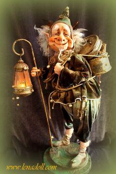 A cheerful fairy man. Clay Fairies, Elves And Fairies, Woodland Creatures, Magical Creatures, Leprechaun, Trolls, Kobold, Paperclay, Fairy Art