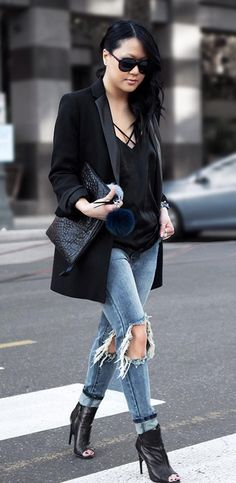 casual black outfit jeans