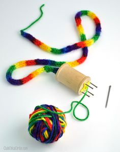 How to Make Your Own Spool Knitter | Club Chica Circle - where crafty is contagious