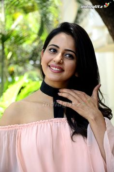 Indian Actresses, Actors & Actresses, Heena Khan, South Actress, Shraddha Kapoor, Bollywood Actors, Beautiful Indian Actress, Indian Beauty, Celebs