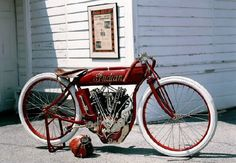 turn of the 20th century motorcycles | 1918 Indian 8-Valve Racer