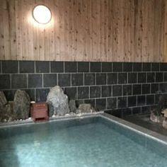 土日と日間休みがとれたっていうことであまり遠出はできないから近場の原鶴温泉に一泊二日で行ってきましたよ 今回泊まったのは佐藤荘 きれいに清掃された広いお部屋と美味しい食事そしてとろとろのお湯に大満足でしたよ( 個人的にはお風呂に置いてあった ラベンダーの香りのボディーソープがお気に入りです()v tags[福岡県]