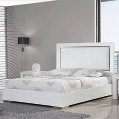 Whiteline Imports Ibiza Upholstered Panel Bed Size: Queen