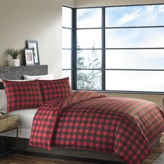 overstock duvet set.  maybe we do red in the upper left and blue in the upper right.  with solid fun colored sheets to contrast?  good price!
