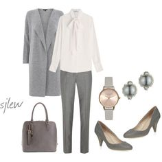 Fall office wardrobe look for women over 60 (7)