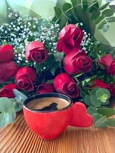 Good Morning Roses, Good Morning Coffee, Beautiful Morning, Coffee Break, Good Night Wishes, Beautiful Rose Flowers, Coffee Pictures, Coffee Cafe, Love Images