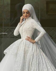 Encontre mais Vestidos de noiva Informações sobre 2016 muçulmanos vestidos de noiva com mangas compridas Appliqued gola alta árabe Hijab vestido de noiva Lace vestido de baile disse Mhamad Designer, de alta qualidade vestido de convidados do casamento, vestido de casamento com rendas China Fornecedores, Barato vestido de noiva de tule de Beautiful Life Dress em Aliexpress.com