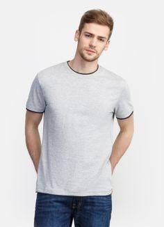 Базовая футболка за 599р.- от OSTIN