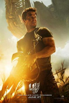 Mark Wahlberg makes his Transformers debut in the new teaser trailer for Transformers: Age of Extinction. Nicola Peltz and Stanley Tucci also star. Mark Wahlberg, Transformers Film, Great Movies, New Movies, Movies Online, Awesome Movies, Upcoming Movies, Film Serie, Dinosaurs